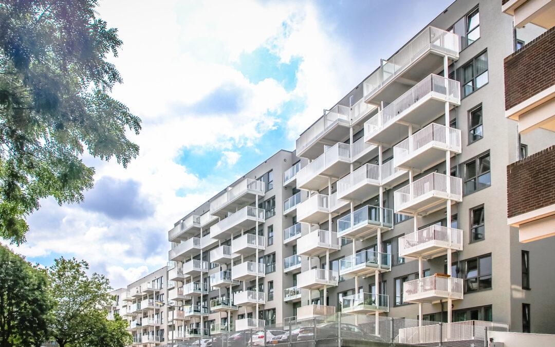 220 Appartementen voorzien van polyester balkons